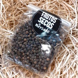 Saqueta de pimenta preta em grão
